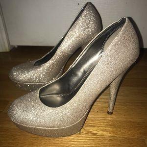 Metallic Heels size 9